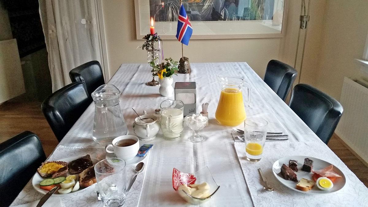 petit-dejeuner-guesthouse
