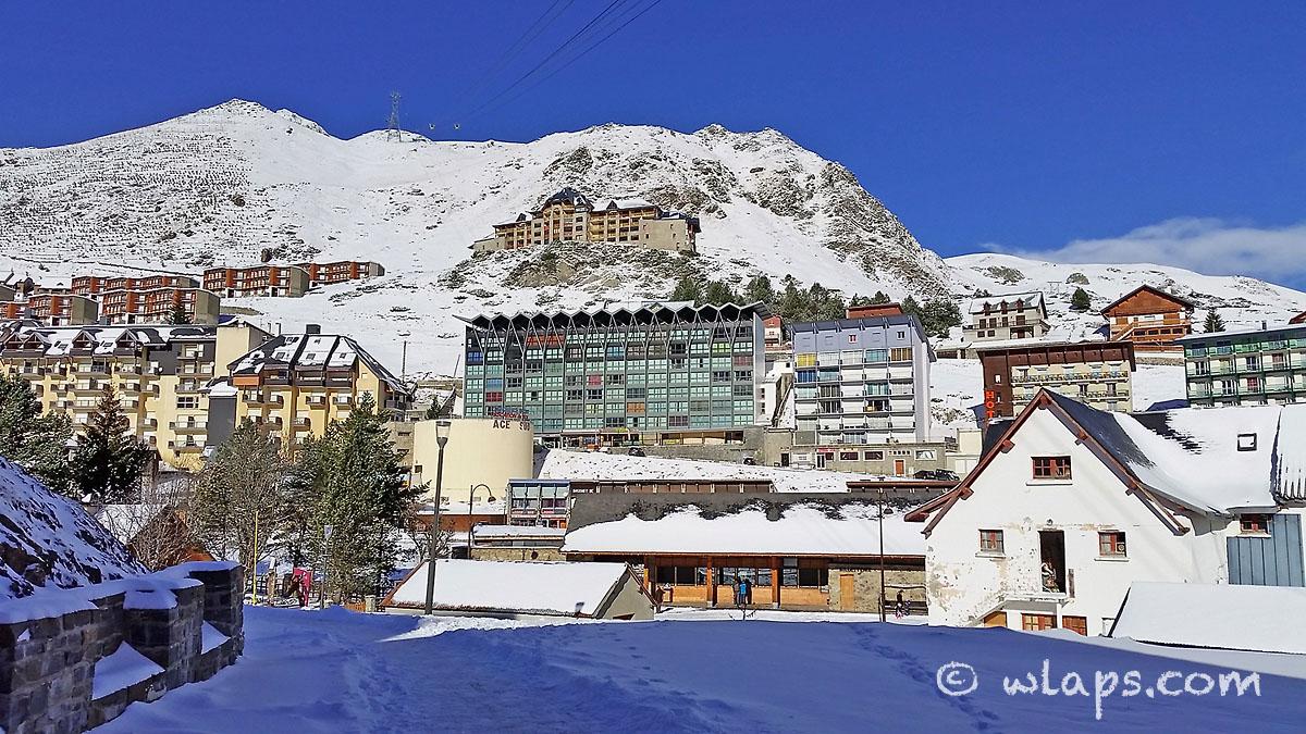 lamontgie-village-hiver-neige-0
