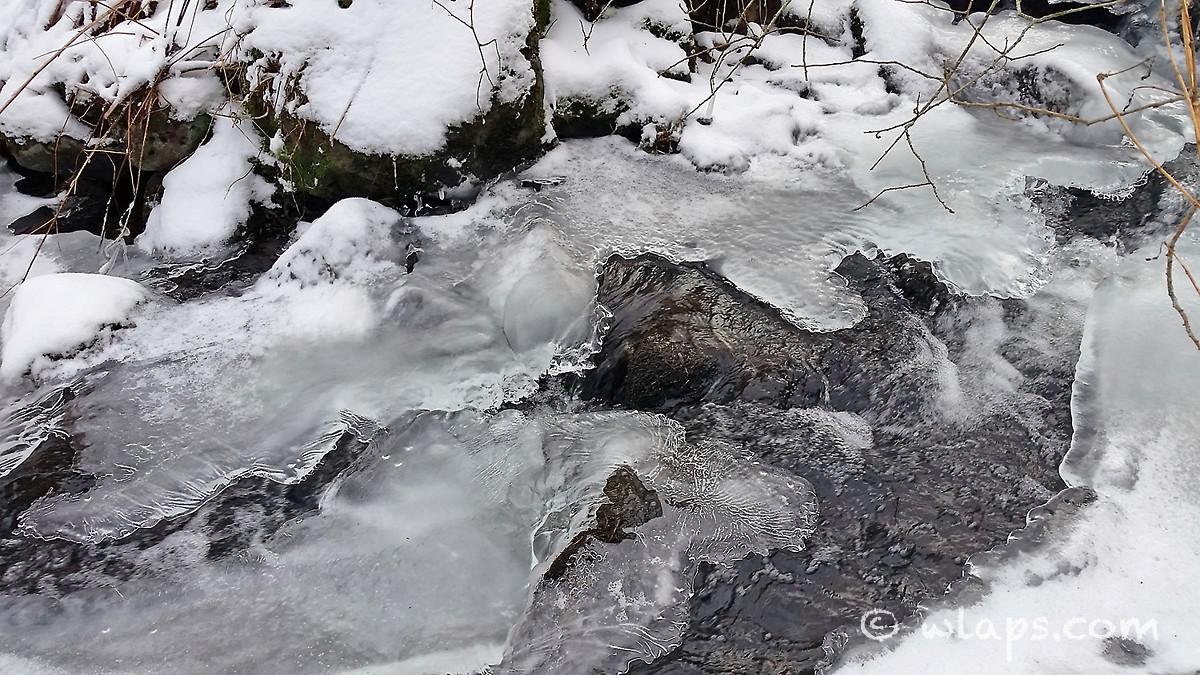 eau-gelee-neige-aubrac