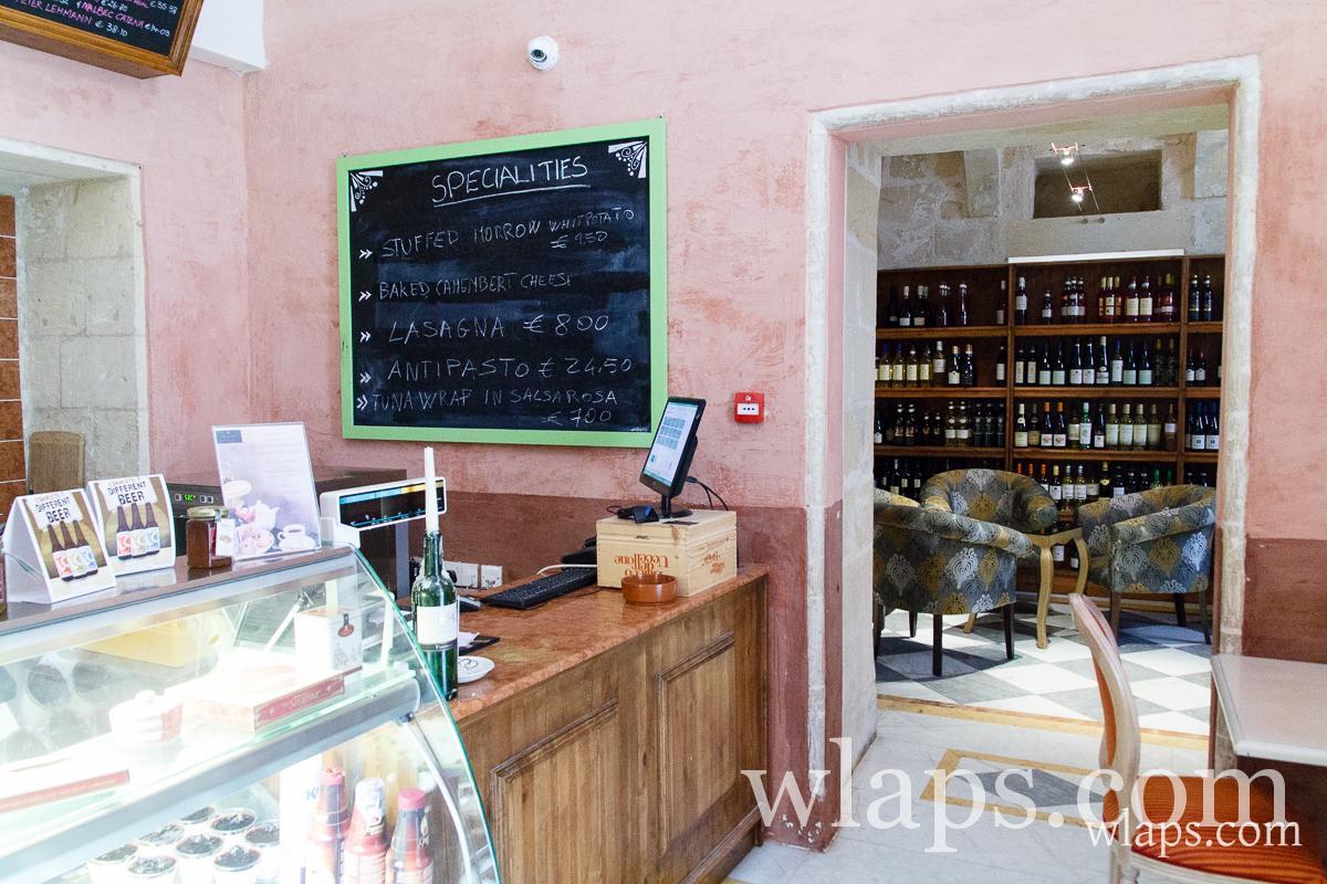 redwhite-palazzo-castelletti-restaurant-malte-rabat-5