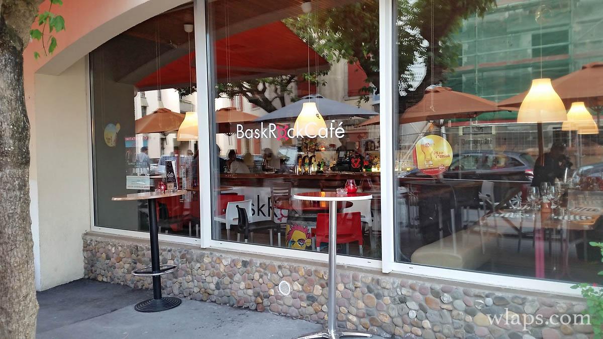 Bask rock cafe Hendaye