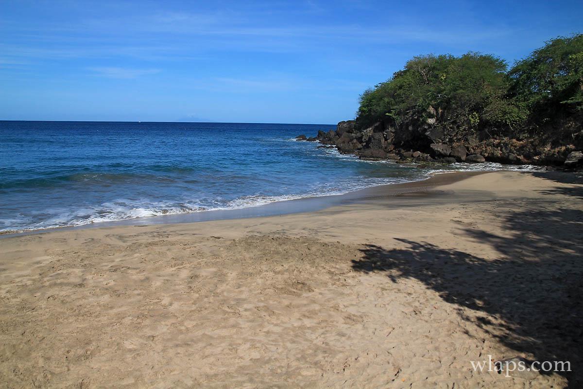La plage leroux c t de ferry et de deshaies - Restaurant la grande plage port louis ...