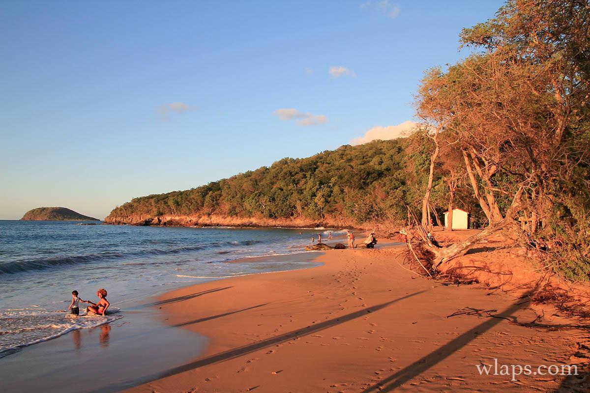 O profiter du coucher de soleil en guadeloupe - Les plus beaux coucher de soleil sur la mer ...