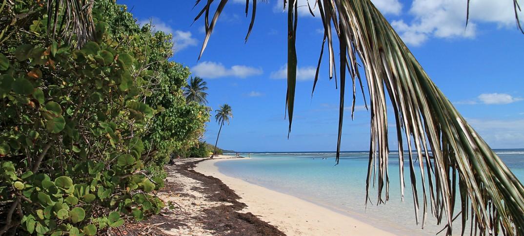 Superbe plage de Bois Jolan en Guadeloupe (Grande-Terre)