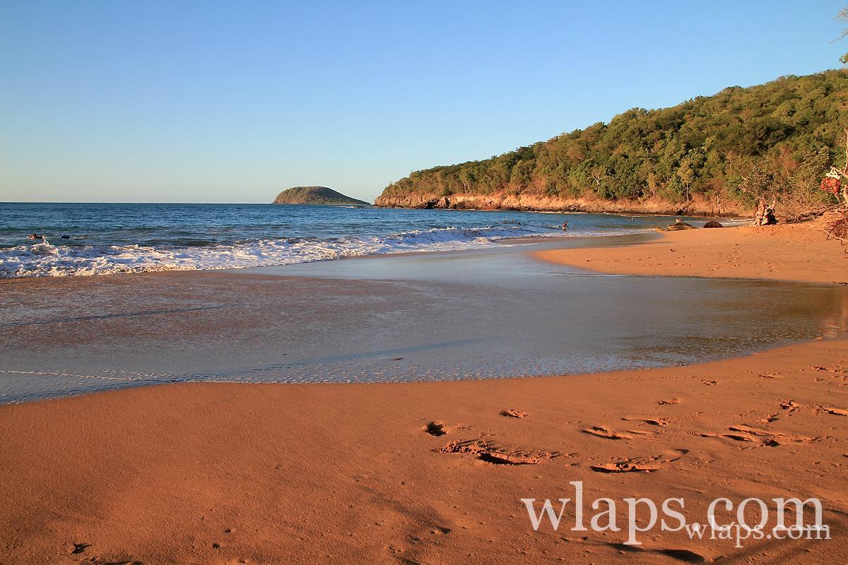 la-plage-de-la-perle-deshaies-coucher-soleil-guadeloupe