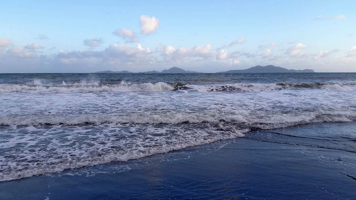 3-plage-grande-anse-trois-rivieres-basse-terre