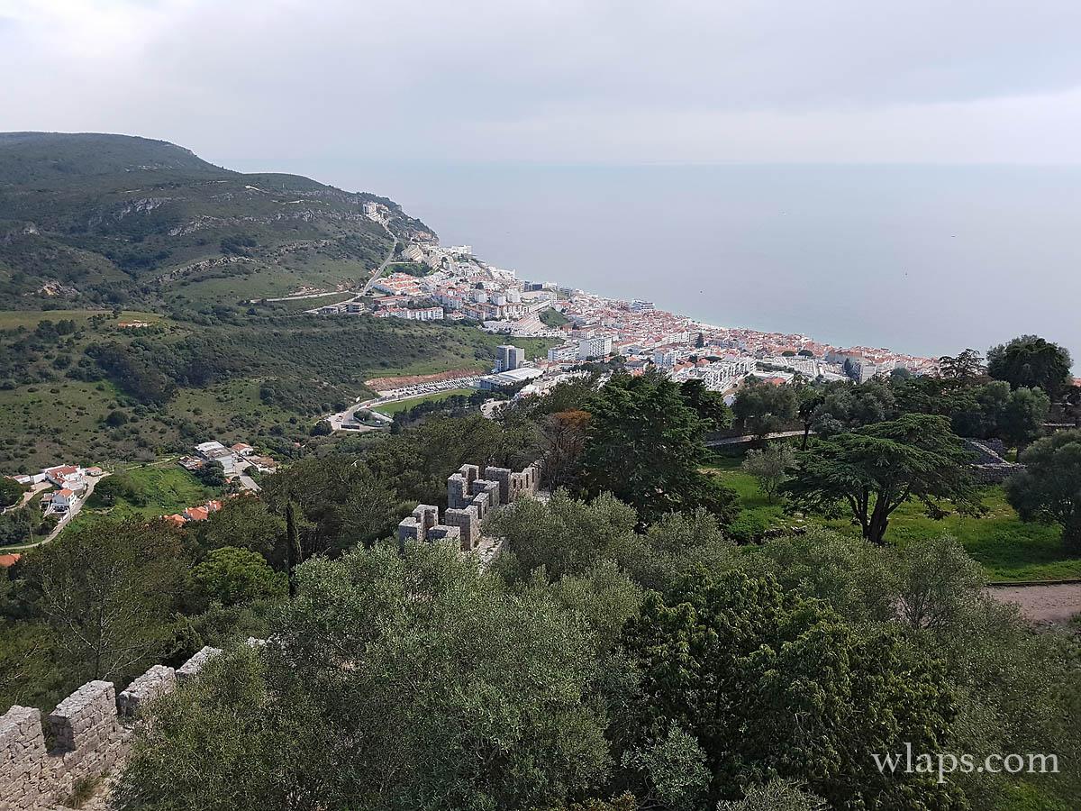 La vue sur la ville depuis le Château de Sesimbra