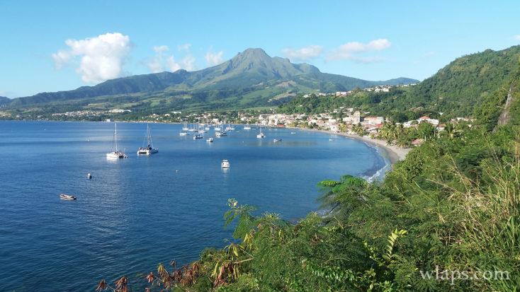 Vue sur la plage de saint Pierre en Martinique