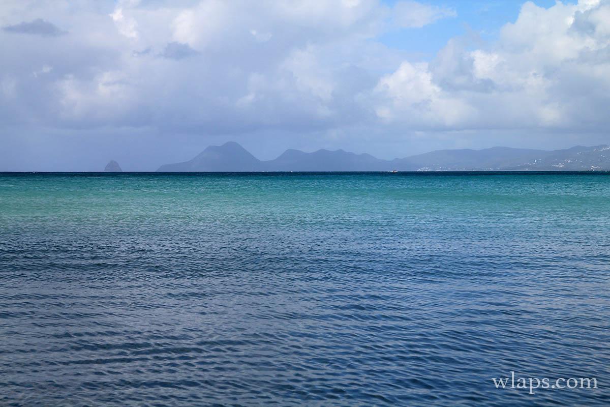 eau-bleue-mer-caraibes-ste-anne