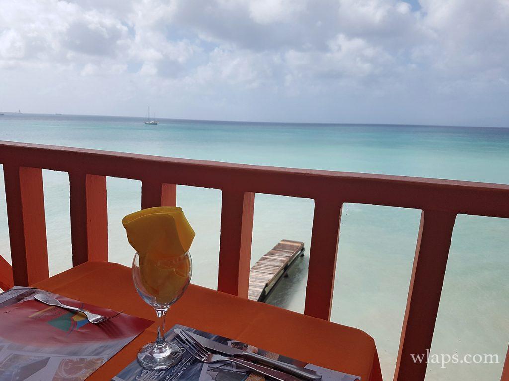 La vue depuis un autre restaurant à Marie Galante, à visiter