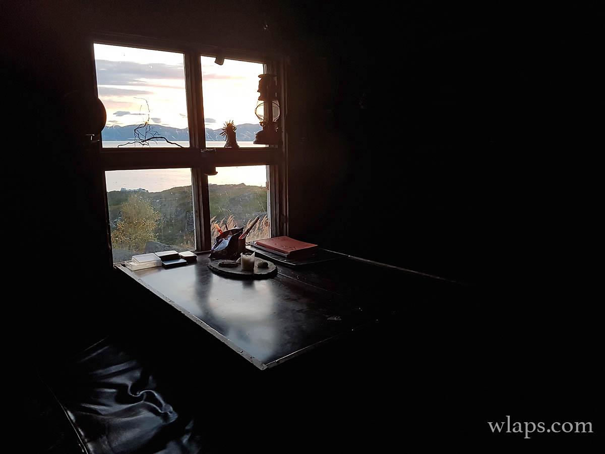 mountain-cabin-lyngen