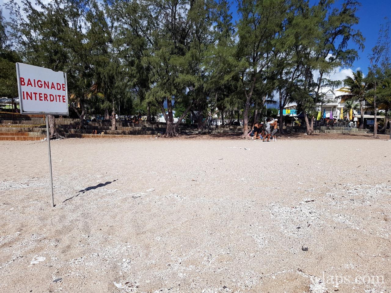 Baignade interdite à la plage de Boucan Canot à l'ile de La Réunion
