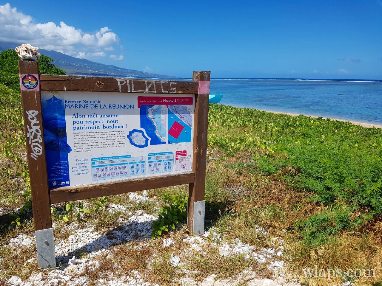 Panneau de la plage de la Saline les Bains à l'ile de La Réunion