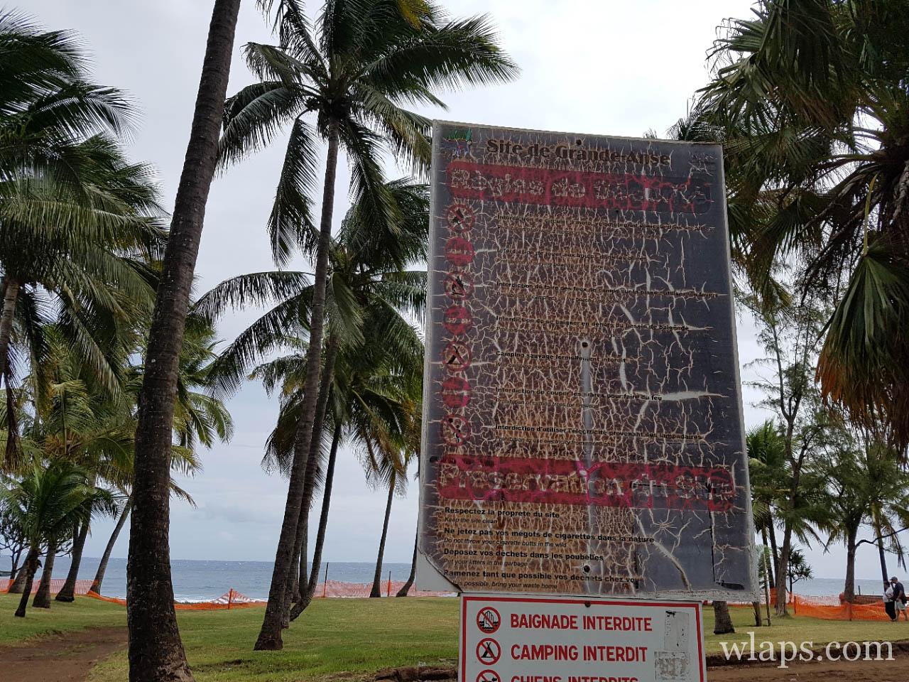 Panneau de la plage de Grande Anse à l'île de La Réunion