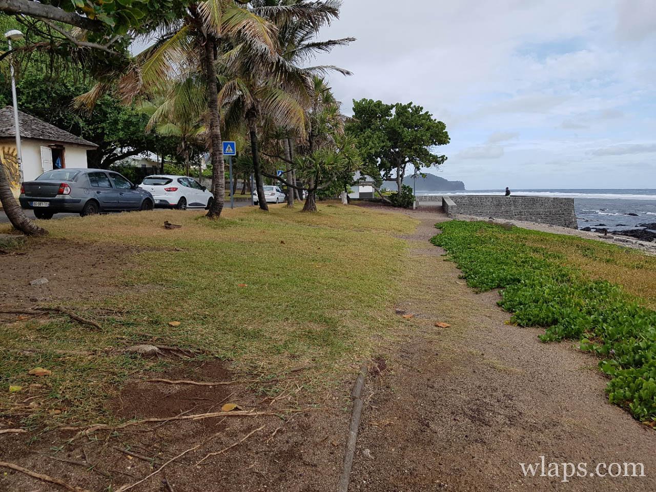 Parking de la Plage de Grand Bois à l'ile de La Réunion