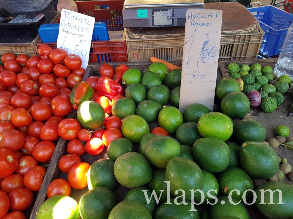 Avocats et tomates la réunion