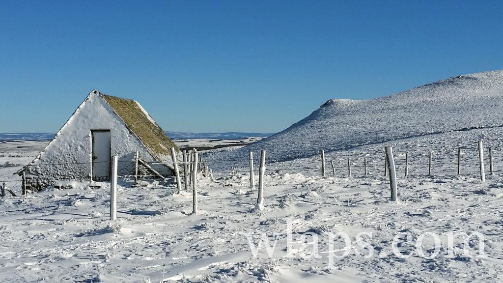 Un paysage lors de notre randonnée en raquettes à neige dans le PNR d'Aubrac