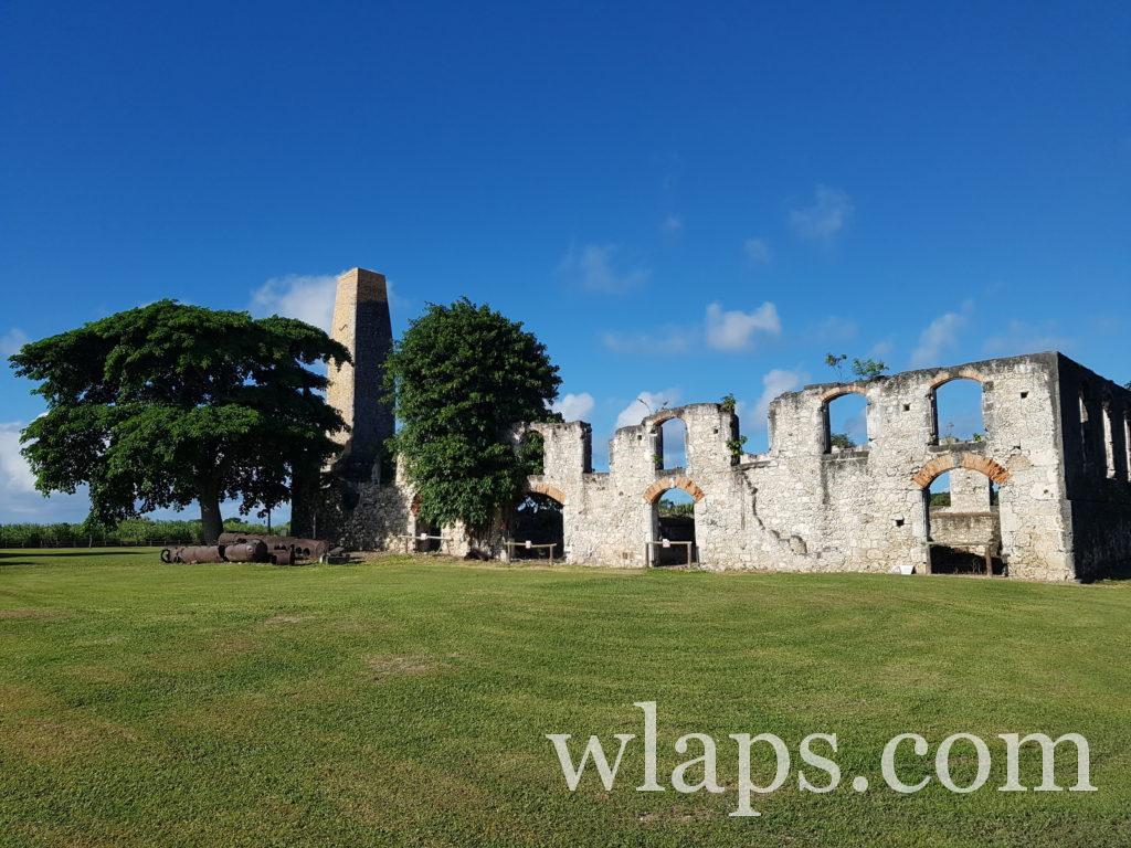 Visite des ruines de l'habitation Roussel à Marie Galante