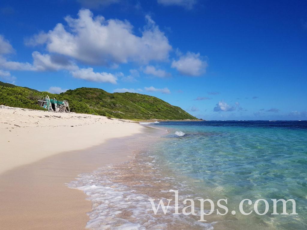 La plage de l'Anse Feuillard à Marie-Galante, à découvrir absolument lors de votre visite de l'ile