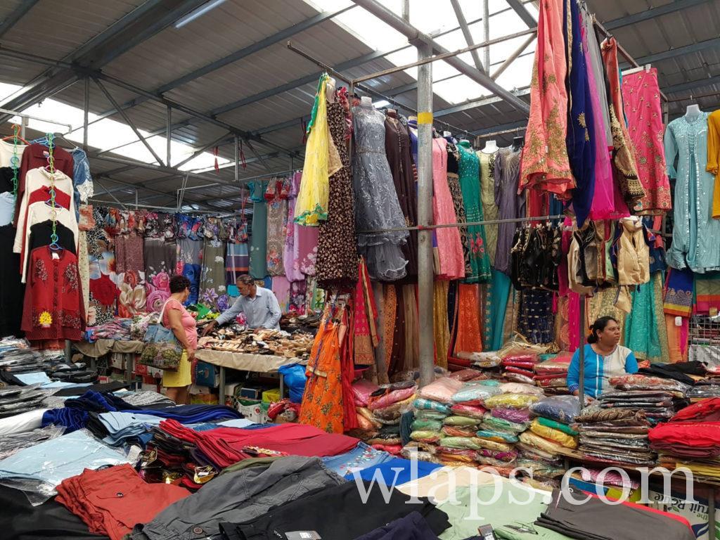 Le marché aux textiles de Quatre Bornes à l'île Maurice
