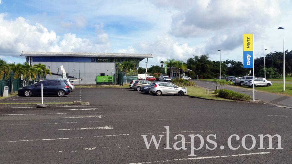 parking de L'Aéroport de Guadeloupe : Pôle Caraïbes à Pointe à Pitre