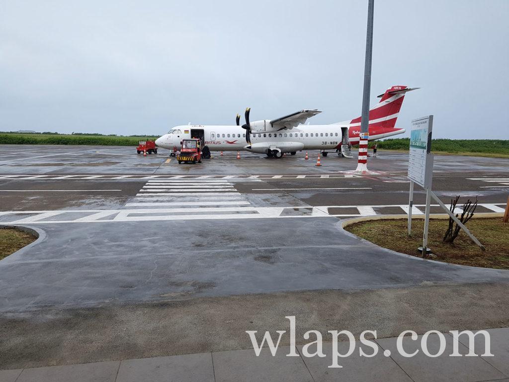 Avion Air Mauritius sur le tarmac