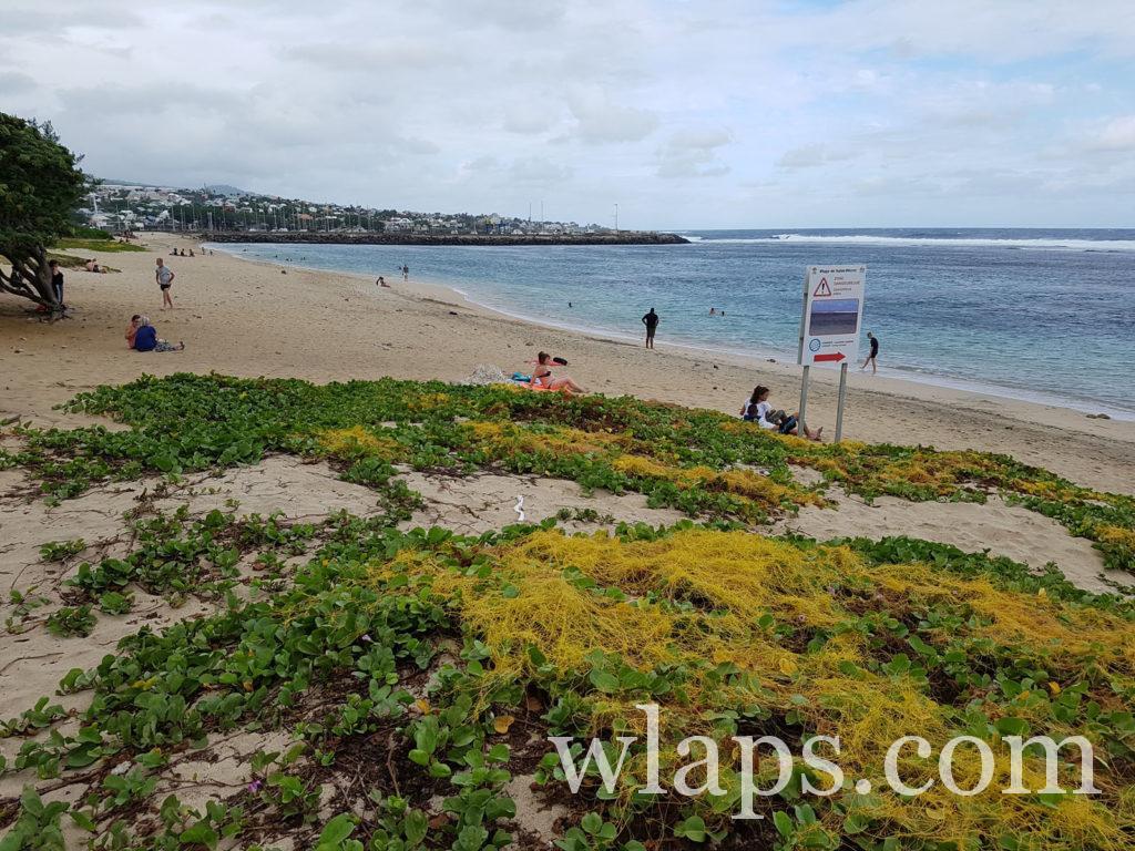 Un jour maussade à la plage de Saint Pierre de La Réunion