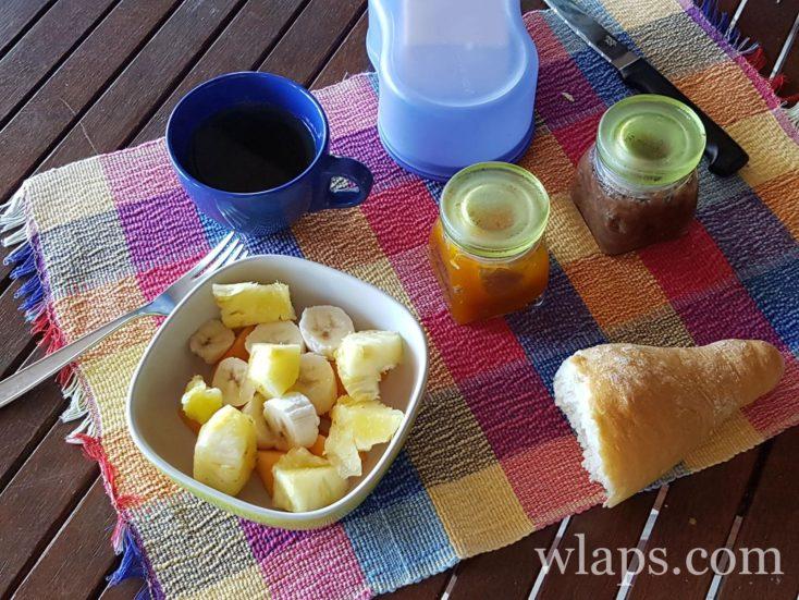 petit déjeuner local en Guadeloupe