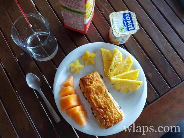 Petit déjeuner créole en Guadeloupe