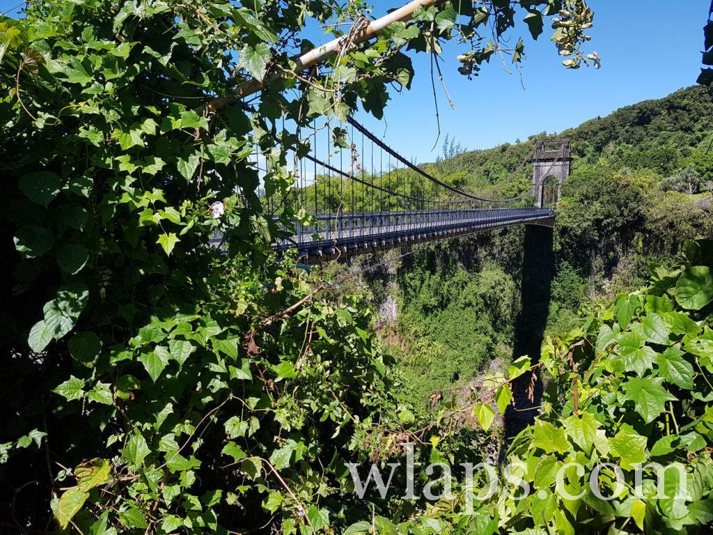 Le pont suspendu de la Rivière de l'Est à la réunion