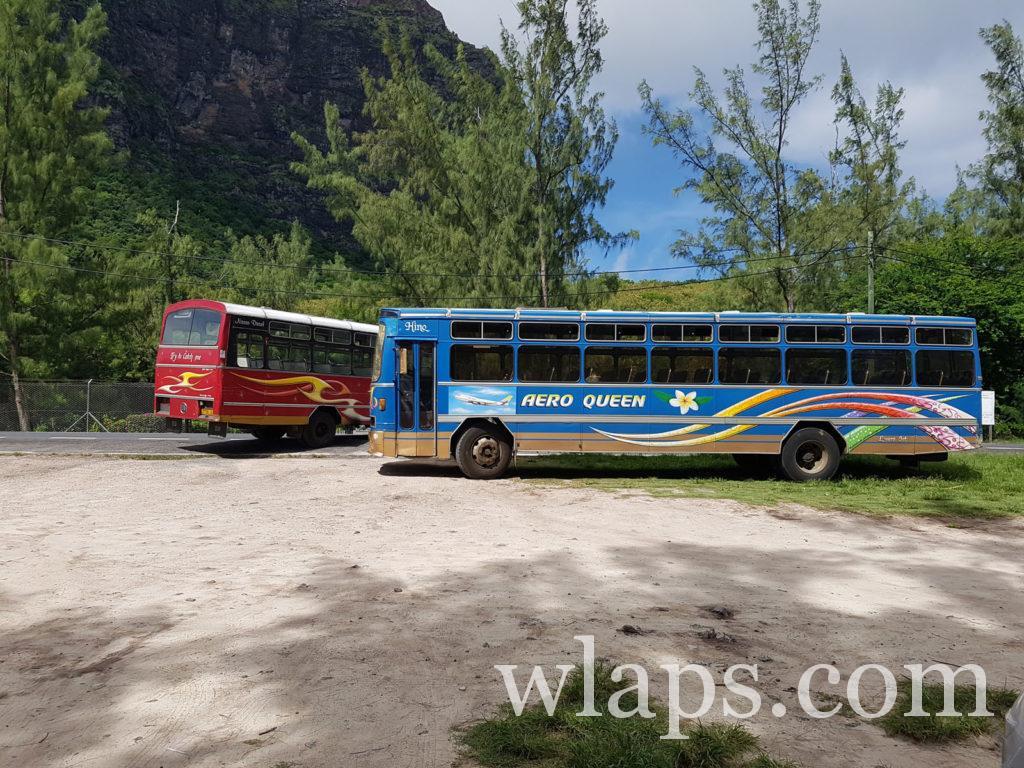 Le billet de bus local de l'ile Maurice ne coute pas cher du tout et les bus sont très jolis