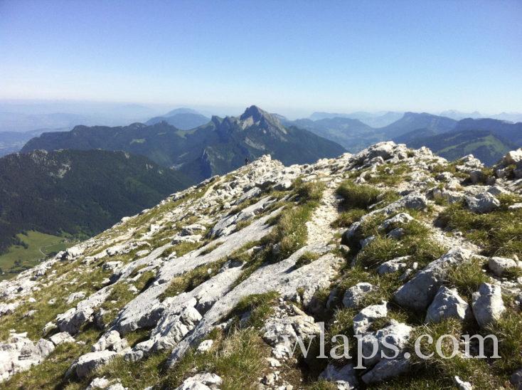 Le sentier de randonnée au sommet de Chamechaude
