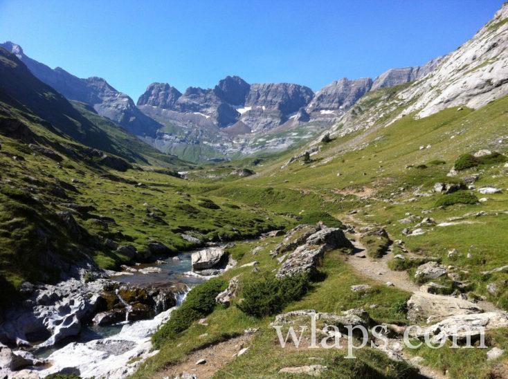 ruisseau sur la randonnée au Cirque d'Estaubé