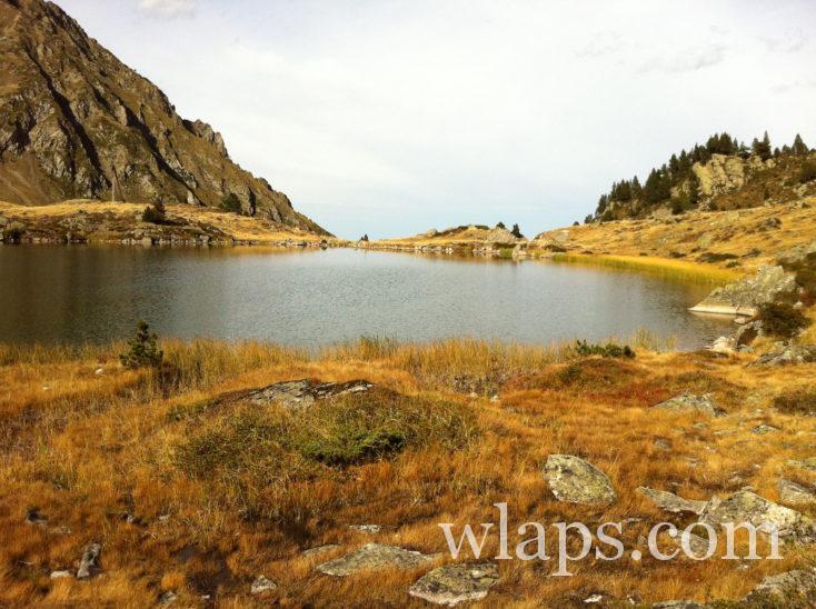 lac sur la randonnée