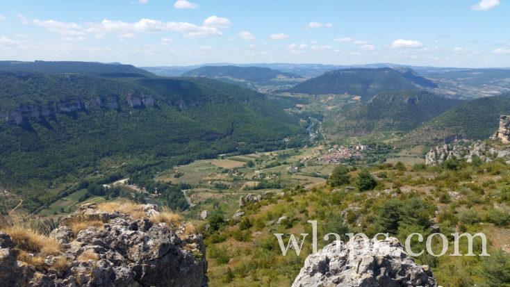 vue sur le village de Mostuéjouls