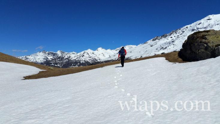 neige sur le sentier des gypaètes