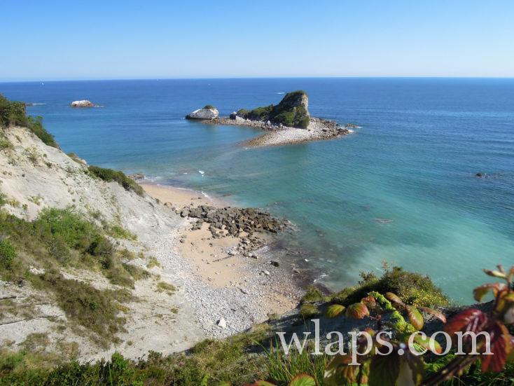 la plage secrète sur le domaine d'Abbadia