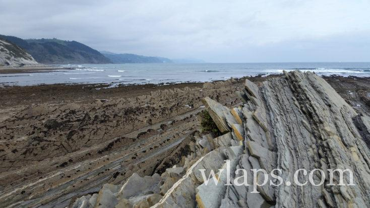 roches au Géopark de la Côte Basque