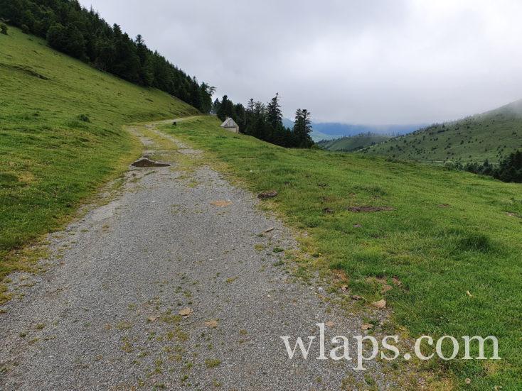 piste de randonnée au lac de payolle depuis le Col d'Aspin