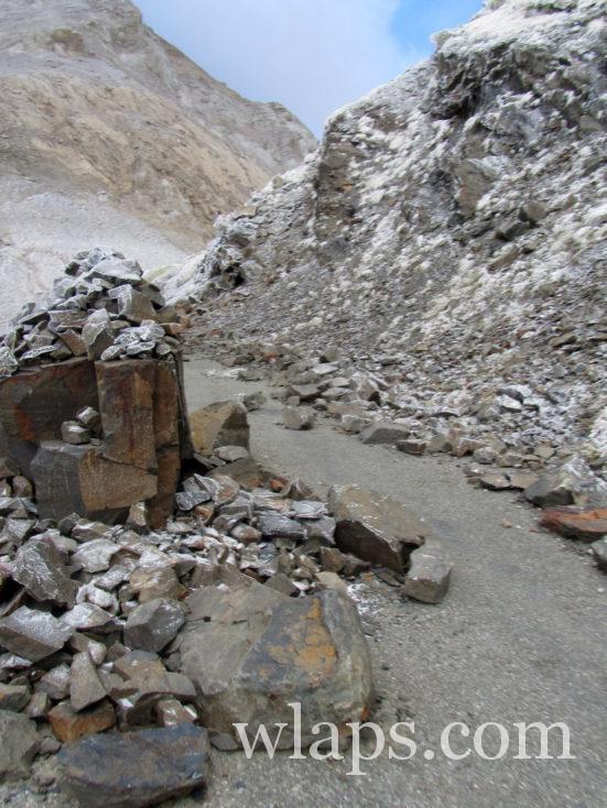 chemin qui va au Port de Boucharo