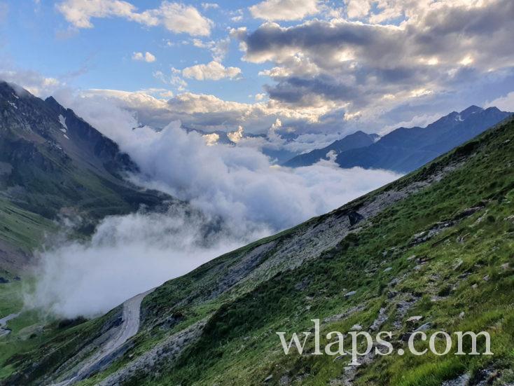 La piste qui mène au Pic du Midi