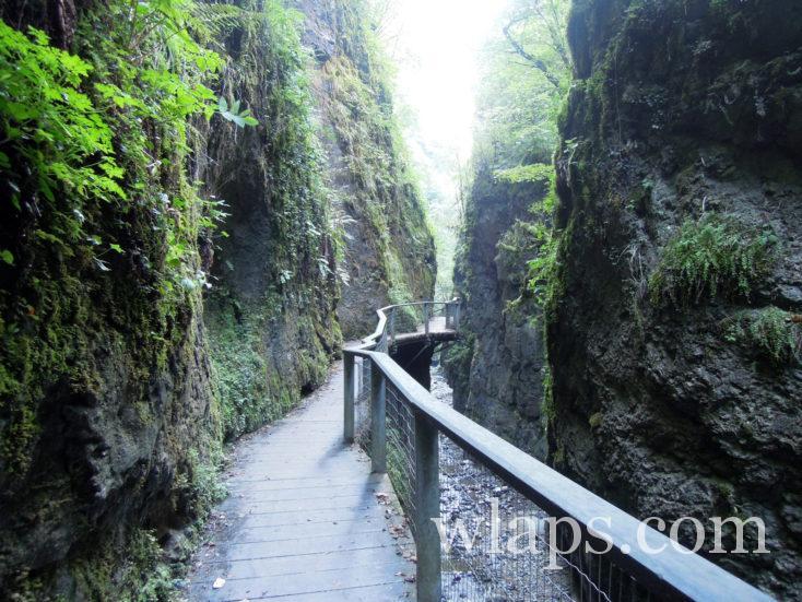 Passerelle des gorges de Kakuetta