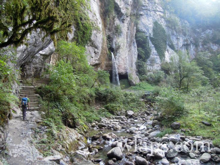 cascade et Passerelle des gorges de Kakuetta