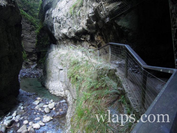 Le chemin des passerelle des gorges de Kakuetta est super sympa