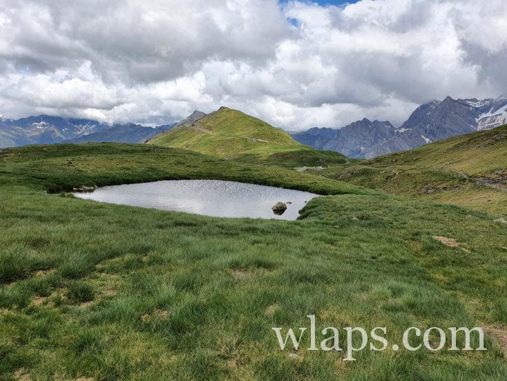 lac le long du sentier de randonnée qui mène au lac des Especières