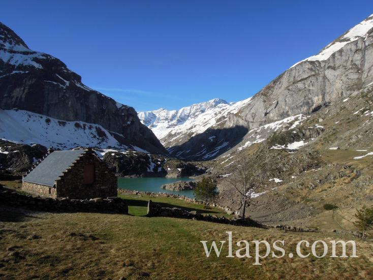 lac des gloriettes en hiver