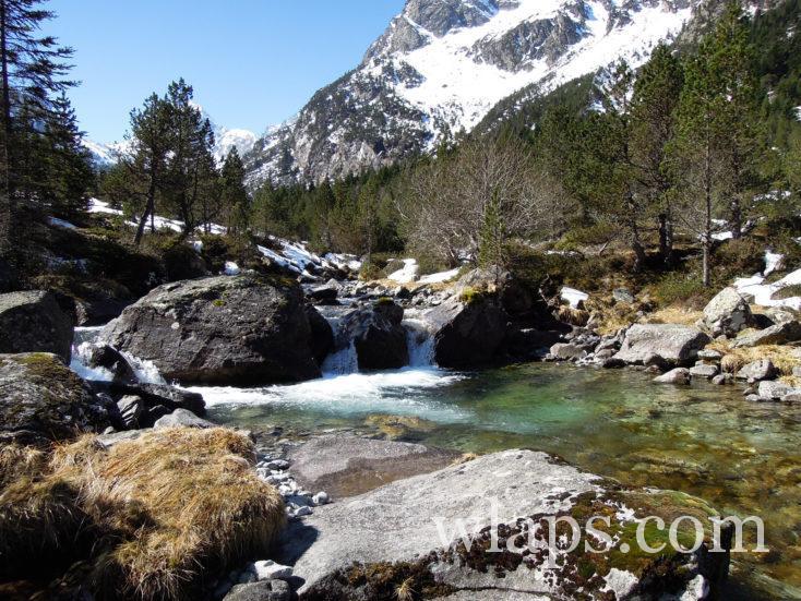 ruisseau sous le Lac d'Estom