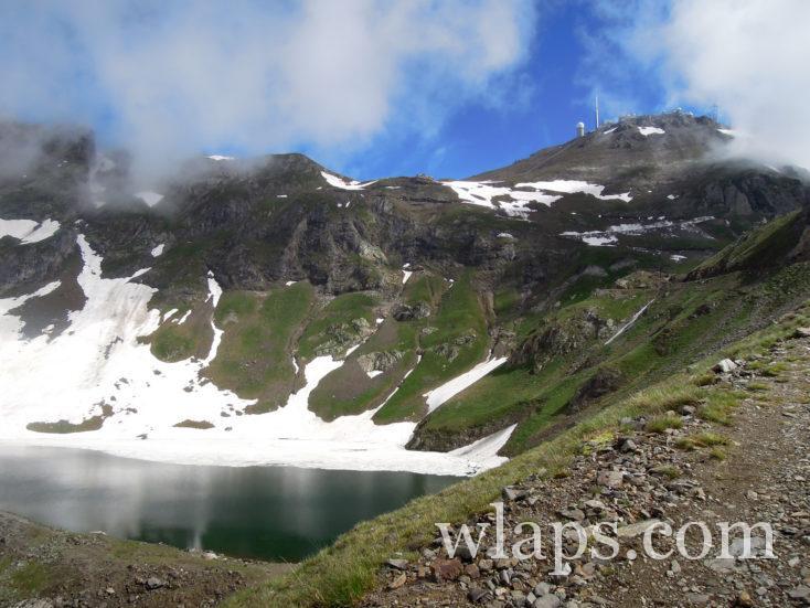 Le Lac d'Oncet et le Pic du Midi de Bigorre dessus