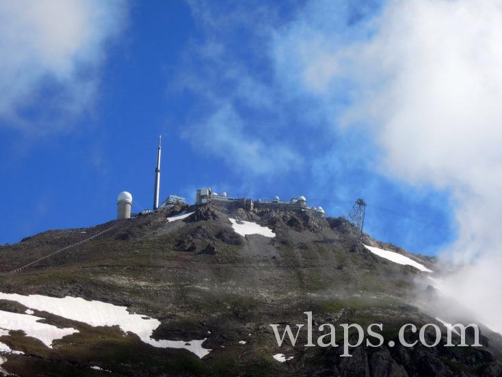 Le Pic du Midi de Bigorre domine le Lac d'Oncet