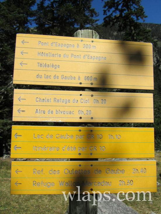 panneaux de randonnée pour le Lac de Gaube